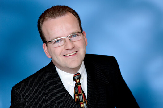 Dr. Marc Saturra