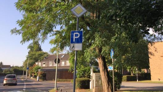 pulheimer-strasse-behindertenparkplatz-2019